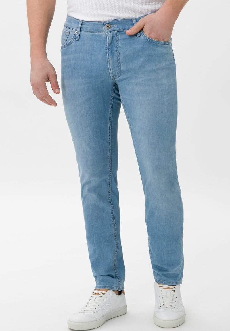 BRAX - STYLE CHUCK - Slim fit jeans - summer blue used