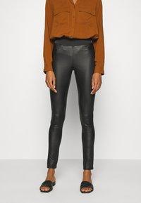 Soyaconcept - SC-PAM 5-B - Pantalon classique - black - 0