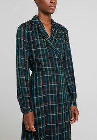 Dorothy Perkins Tall - CHECK WRAP DRESS - Hverdagskjoler - blue - 4