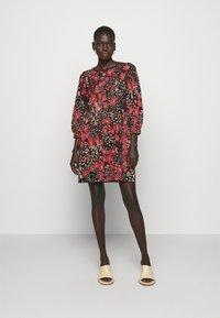 TWINSET - Jumper dress - nero/ciliegia - 0