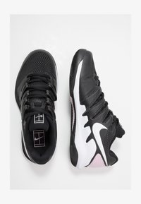 black/white/pink foam