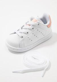 adidas Originals - STAN SMITH - Slip-ons - footwear white/glow pink - 6