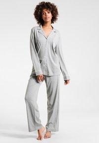 Lauren Ralph Lauren - HAMMOND CLASSIC NOTCH COLLAR  - Pyjama set - heather grey - 0
