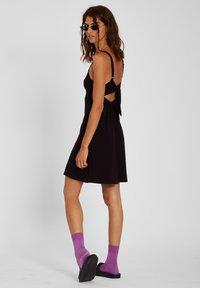 Volcom - EASY BABE DRESS - Day dress - black - 2