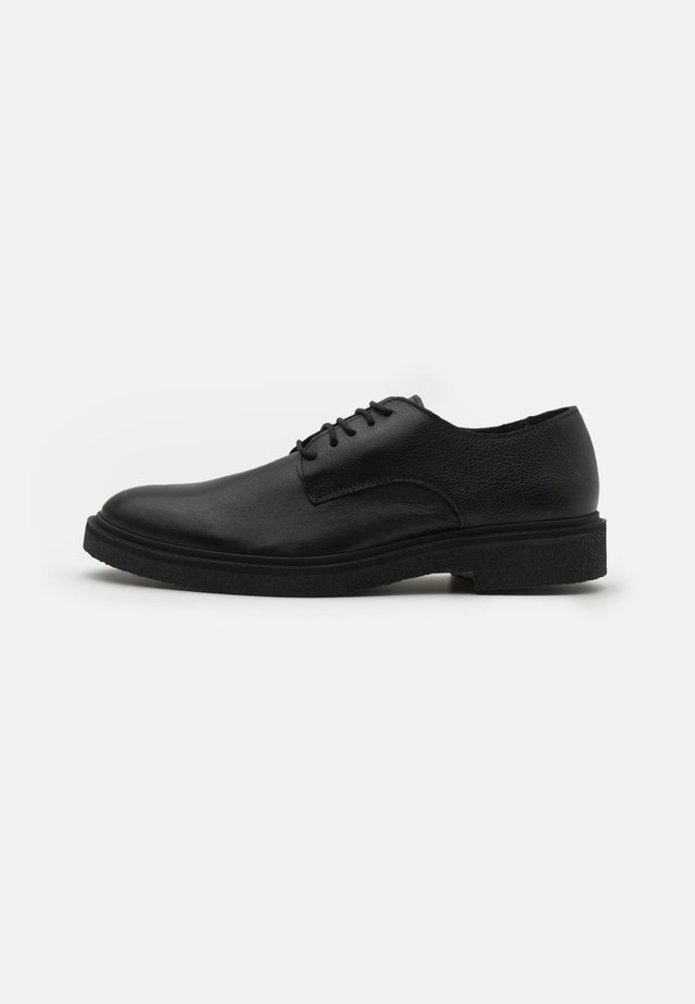 SLHLUKE DERBY SHOE - Veterschoenen - black