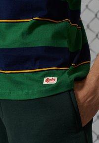 Superdry - Printtipaita - bowling green - 2