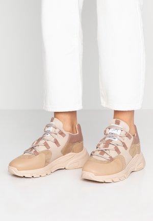 Sneakers basse - old rose