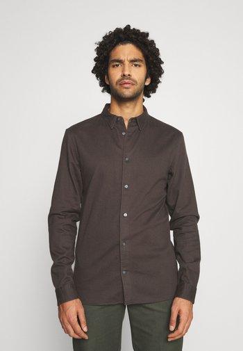 BANNER - Shirt - iron bark brown