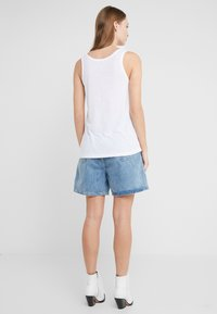 CLOSED - Top - white - 2