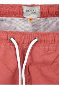 Blend - BALDERI - Short de bain - cardinal red - 5