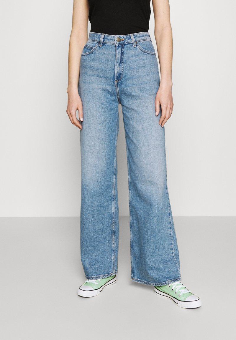 Lee - STELLA A LINE - Jeans a zampa - mid soho