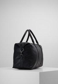KIOMI - Weekendbag - black - 3
