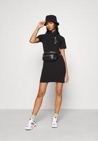 Nike Sportswear - DRESS - Jerseykjoler - black/white - 1