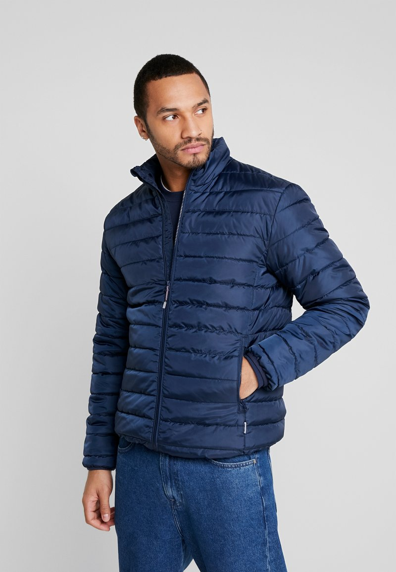 Only & Sons - ONSGEORGE QUILTED HIGHNECK - Chaqueta de entretiempo - dress blues