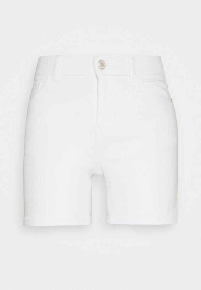 PCKAMELIA FOLD UP - Farkkushortsit - bright white