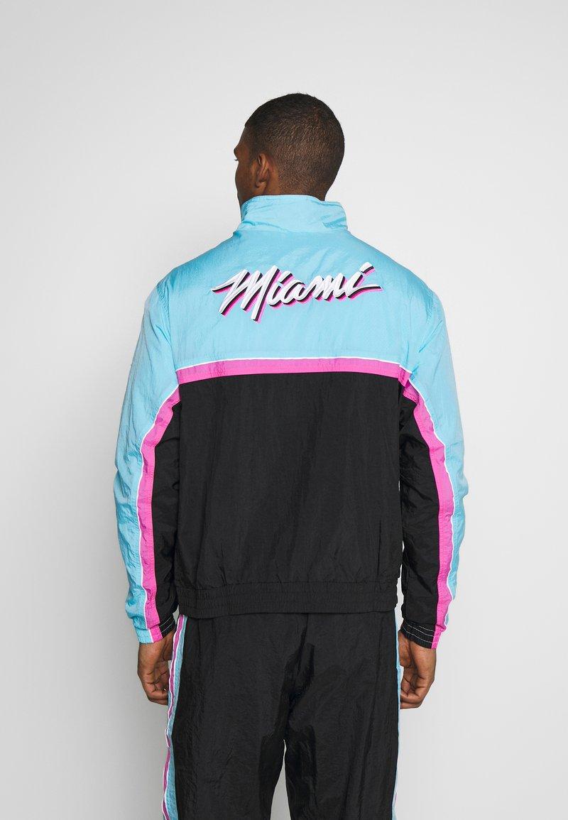 poco diario Banzai  Nike Performance NBA MIAMI HEAT CITY EDITION - Tracksuit - black/blue  gale/laser fuchsia/black - Zalando.ie