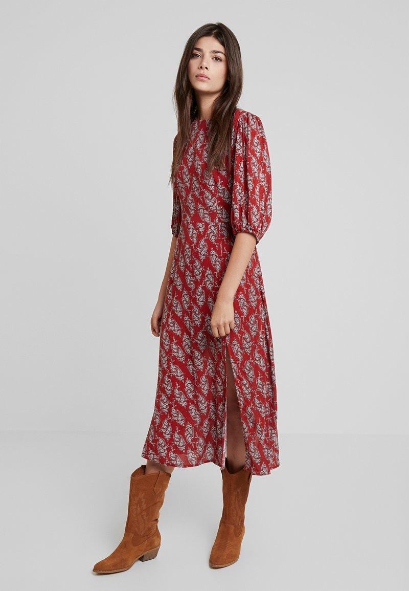 Louche - RILEY PAISLEY - Maxi dress - red