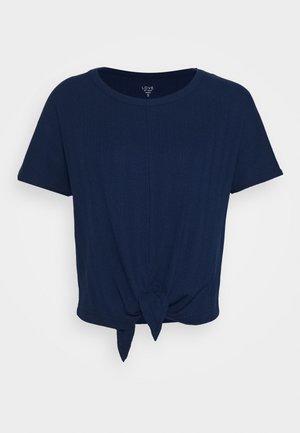SLOUNGE KNOT TEE - Pyjama top - pangea blue