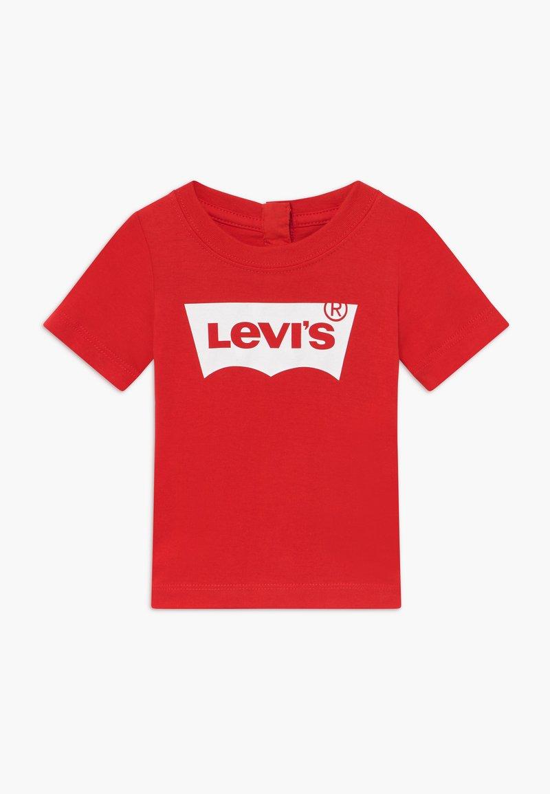 Levi's® - BATWING TEE - Print T-shirt - super red