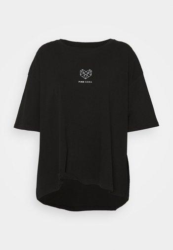 INDIE CROP CURVE - T-shirts med print - black