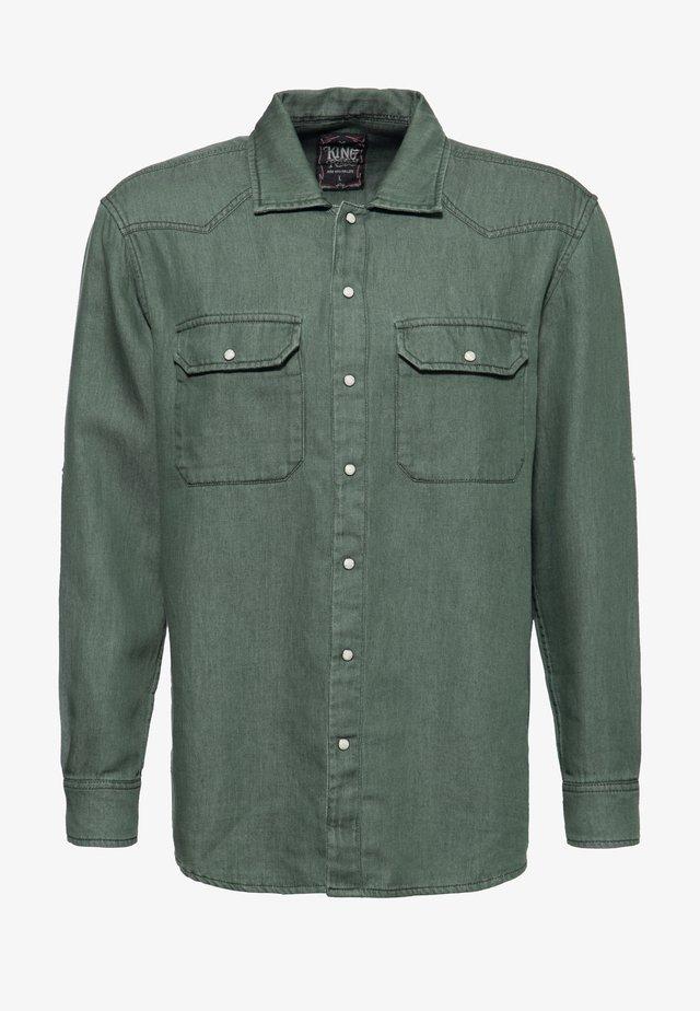 MIT BACKPRINT ARIZONA WOLV - Overhemd - olivgrün