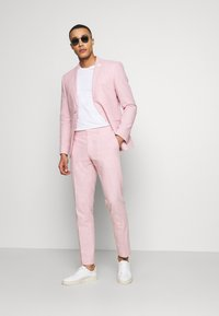 Isaac Dewhirst - PLAIN WEDDING - Suit - pink - 1