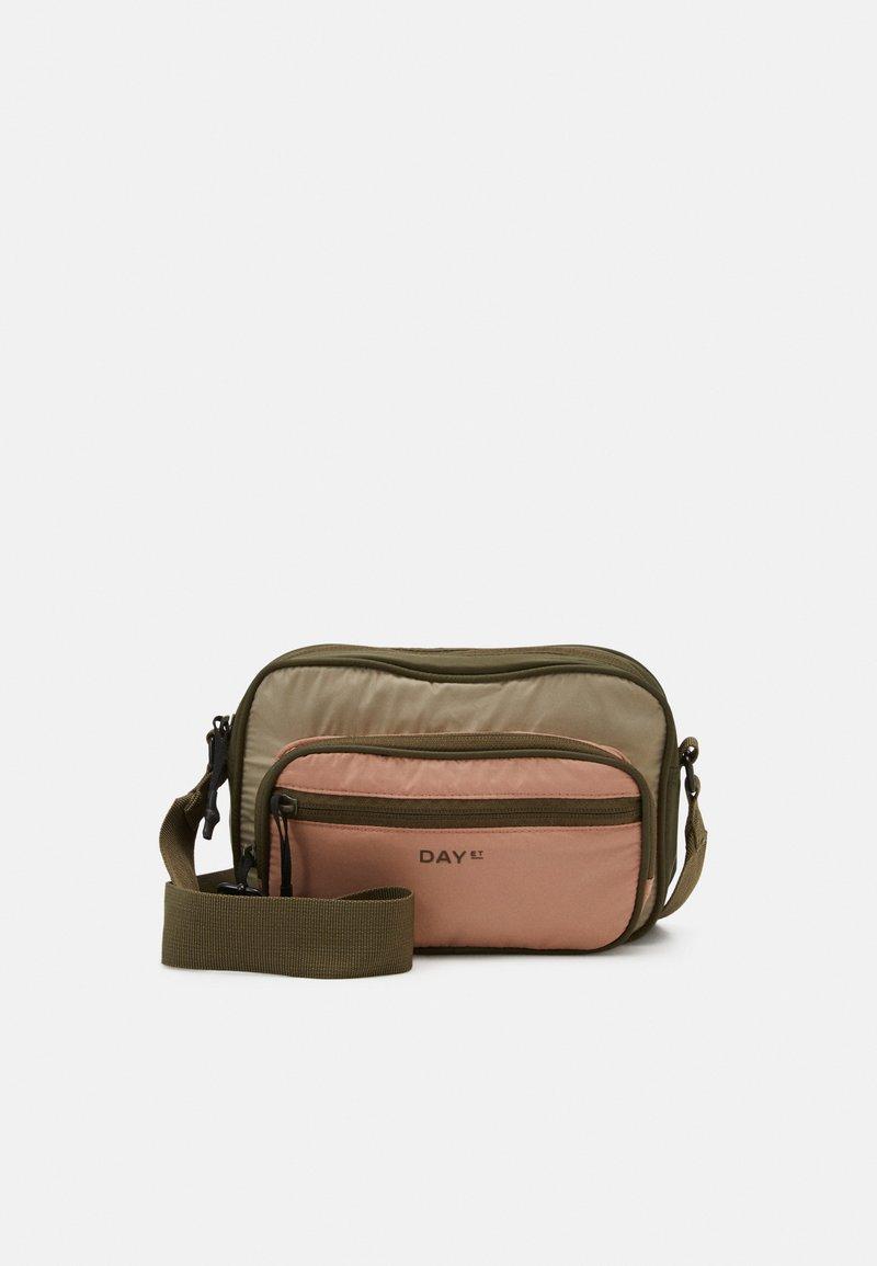 DAY ET - BLOCK - Across body bag - ivy green