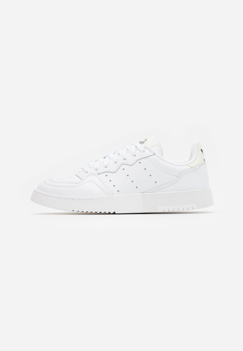 adidas Originals - SUPER COURT SPORTS INSPIRED SHOES - Sneakers basse - footwear white/offwhite/clear black