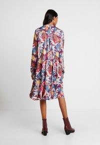 Custommade - FILULA - Shirt dress - roan rouge - 2