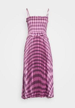 ASYMMETRIC PLEAT DRESS - Day dress - pink/burgundy