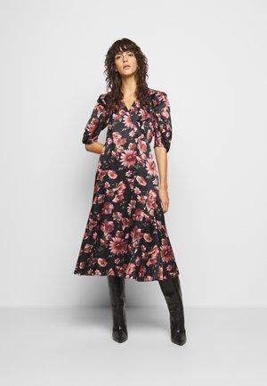 Długa sukienka - black