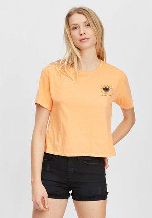 GRAPHIC - Print T-shirt - blazing orange