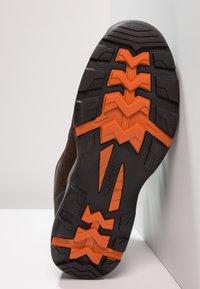Hi-Tec - STORM WP - Chaussures de marche - dark chocolate/dark taupe/burnt orange - 4