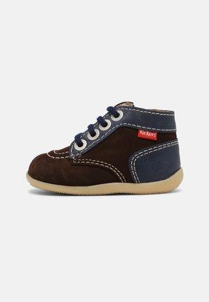 BONZIP UNISEX - Lace-up ankle boots - marron fonce/marine