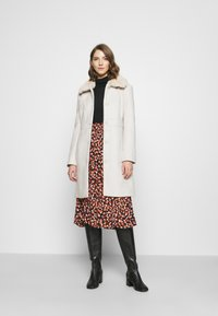 Forever New - LINDA DOLLY - Classic coat - cream - 1