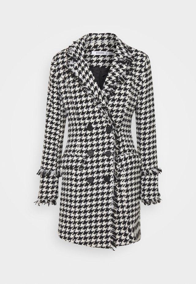 TAILORED BLAZER DRESS HOUNDSTOOTH - Sukienka letnia - white