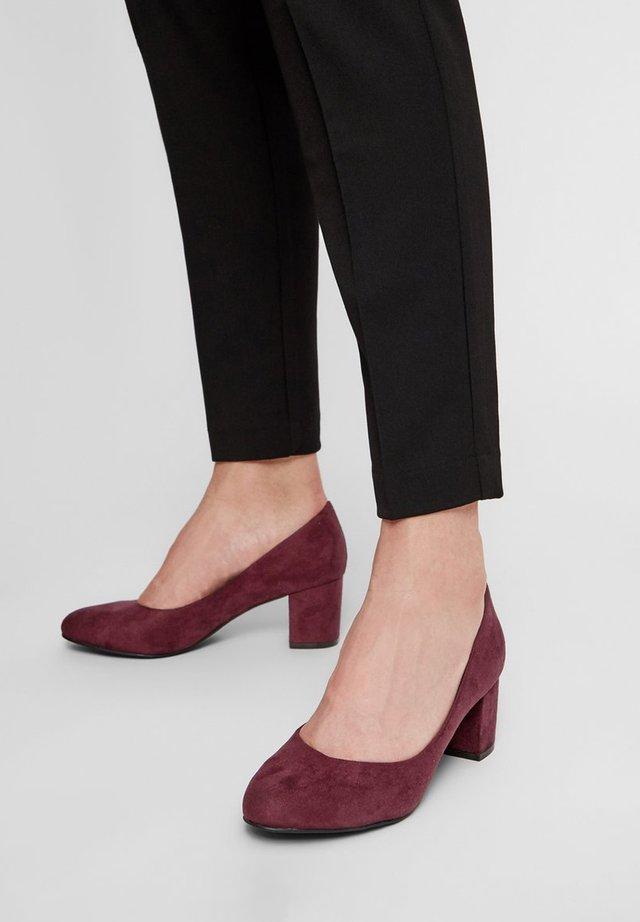 Classic heels - burgundy