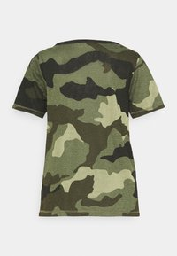 Pepe Jeans - CAMI - Print T-shirt - forest green - 1
