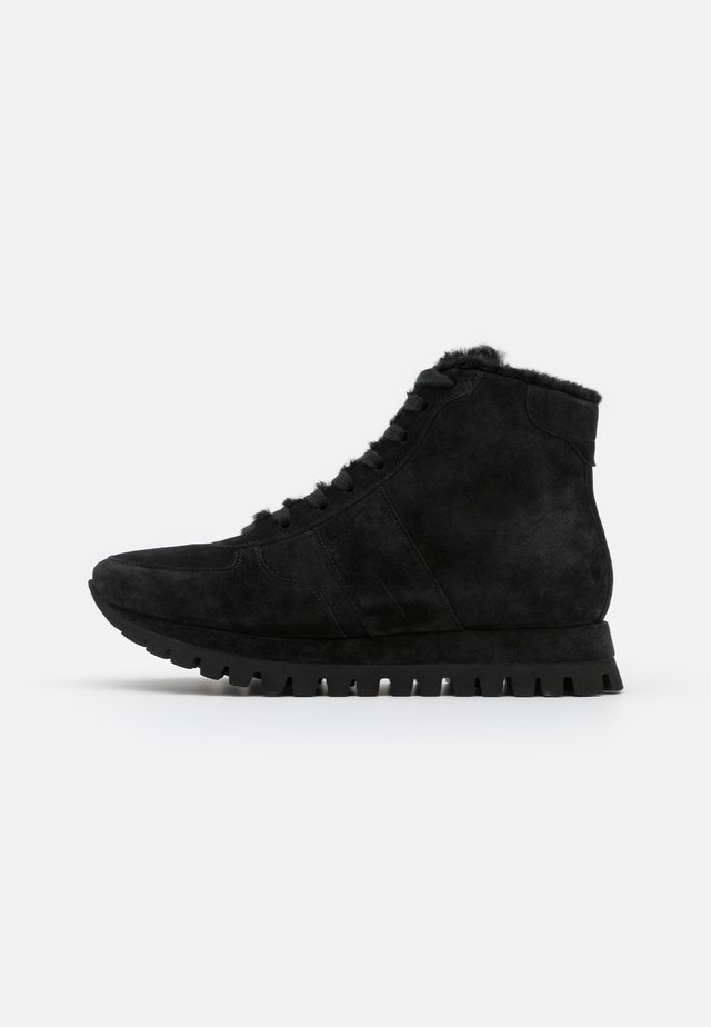 FLOW - Zapatillas altas - schwarz