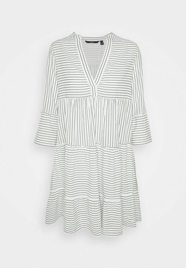 VMHELI 3/4 SHORT DRESS TALL - Day dress - snow white/laurel wreath
