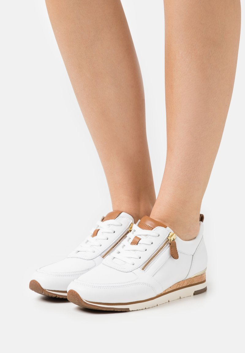 Gabor - Sneakers laag - weiß/cognac