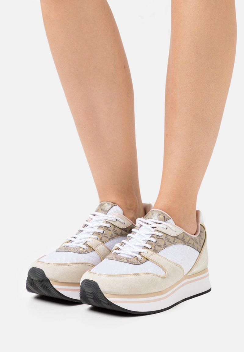 Emporio Armani - Sneakers laag - frost/ecru/gold