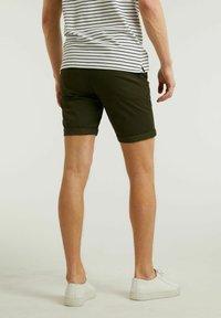 CHASIN' - Shorts - green - 1