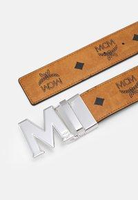 MCM - CLAUS REVERSIBLE BELT UNISEX - Belt - cognac - 3