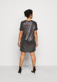 Pieces Curve - PCHAILA DRESS CURVE - Cocktail dress / Party dress - black/silver - 2