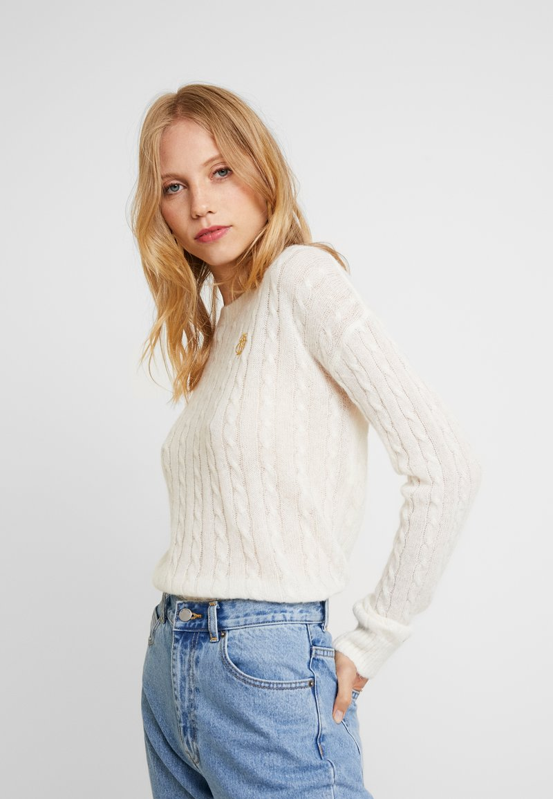 Tommy Hilfiger - ESSENTIAL CABLE - Strickpullover - white