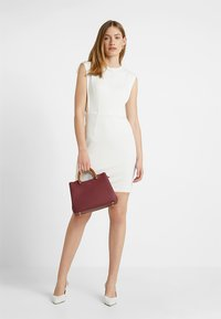Esprit Collection - TEXTURED DRESS - Etuikleid - white - 1