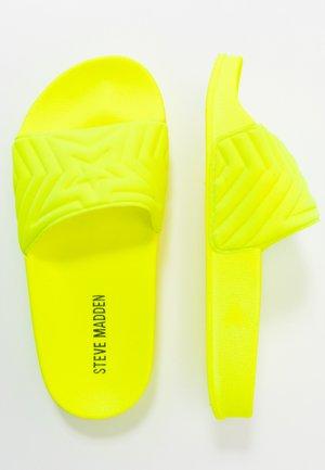 JSQUISHY - Pantofle - lemon