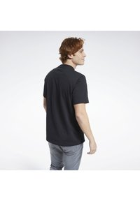 Reebok Classic - CLASSICS SPLIT VECTOR T-SHIRT - Print T-shirt - black - 3