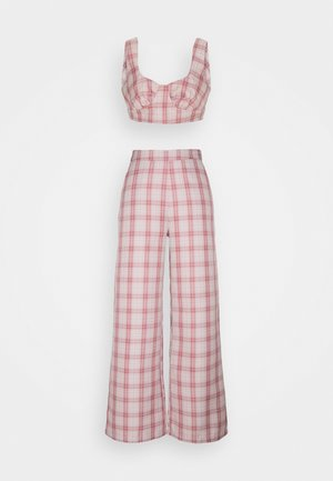 GINGHAM BRALET AND WIDE LEG SET - Top - pink